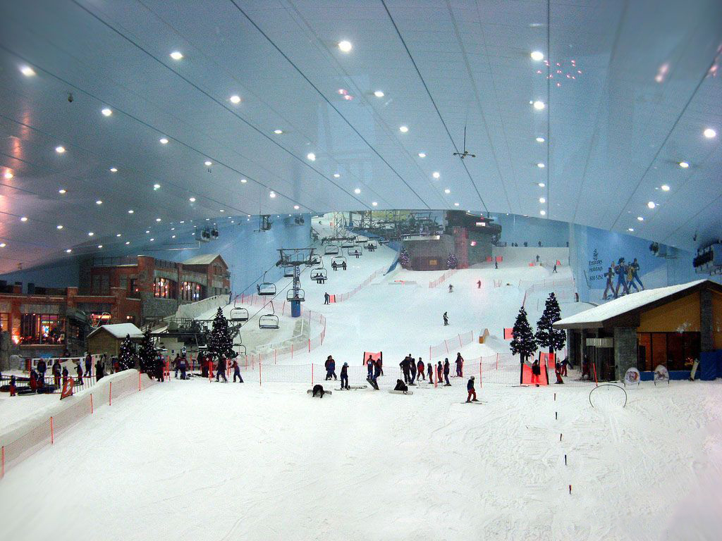 滑雪场内部